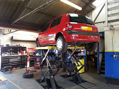 Car servicing at M J Watts Motor Engineers in Louth